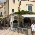 Un buen restaurante sobre la playa en Positano