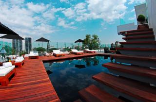 La alberca de la terraza del Hotel Demetria